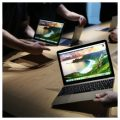 Apple's new MacBooks are displayed following an Apple event in San Francisco, California March 9, 2015.   REUTERS/Robert Galbraith (UNITED STATES  - Tags: SCIENCE TECHNOLOGY BUSINESS)   - RTR4SO3K